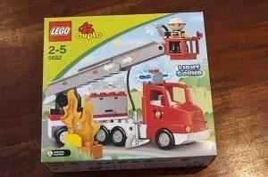 Lego Duplo 1 300x199 Feuerwehrauto und Polizeiauto von Lego Duplo begeistern unsere Kinder
